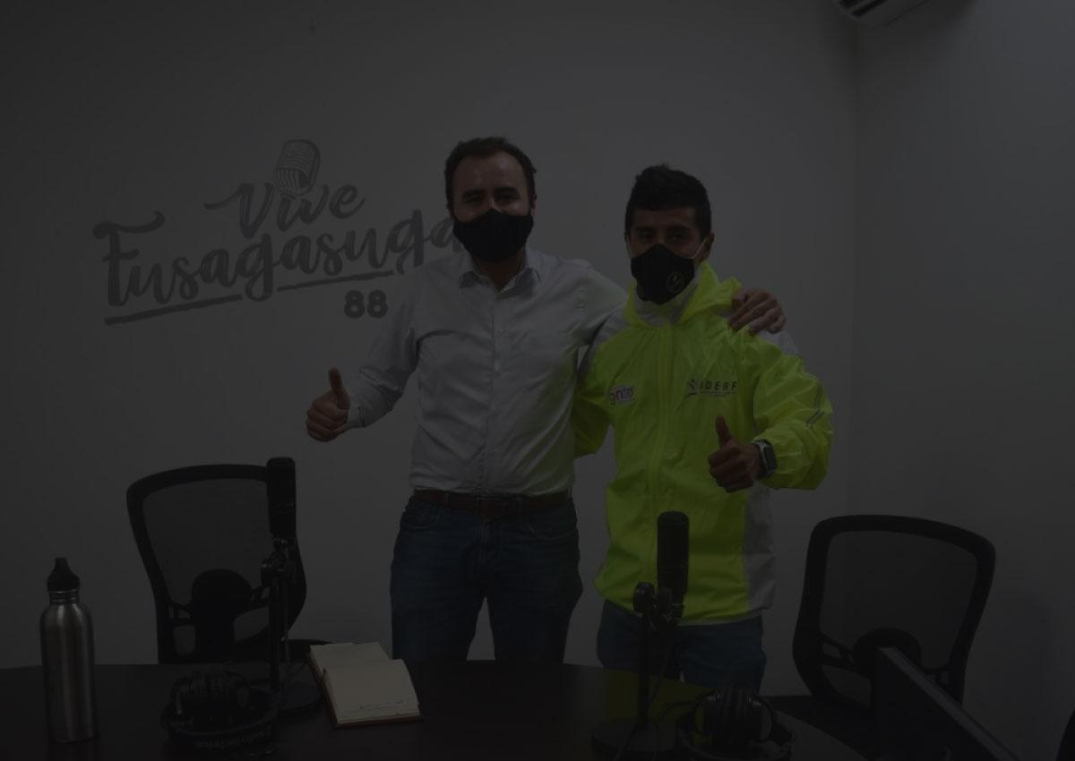 Alcalde Jairo Hortúa hace reconocimiento a ciclista profesional fusagasugueño.